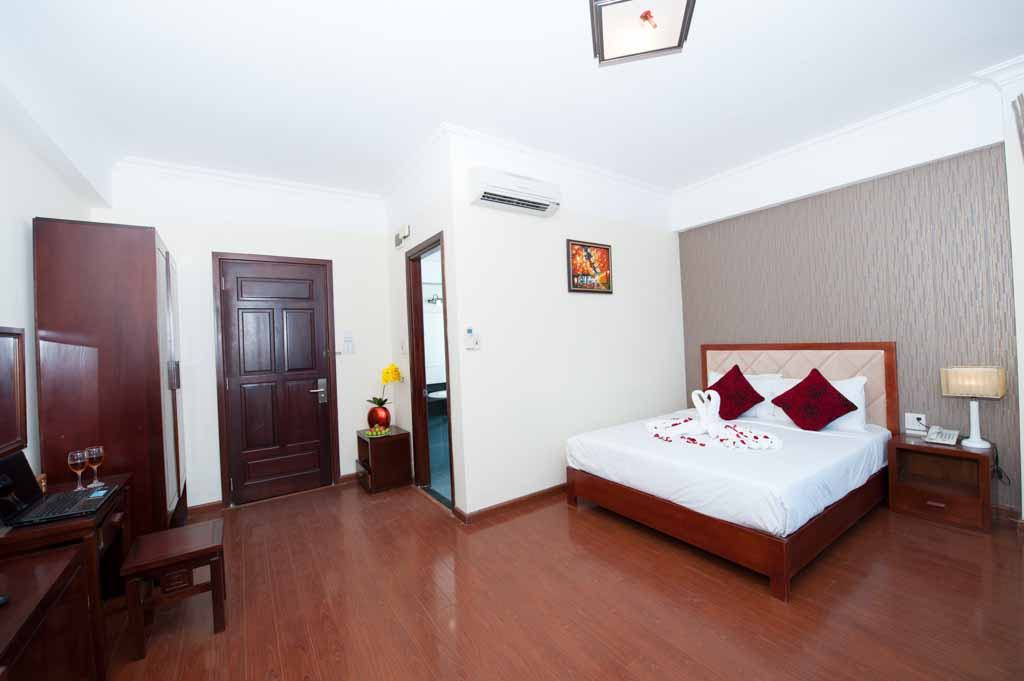 khách sạn ven biển Beautiful beach hotel Đà Nẵng giá rẻ