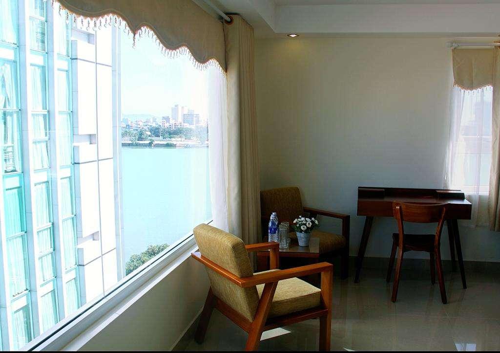 Khách sạn ven biển Paradise Đà Nẵng