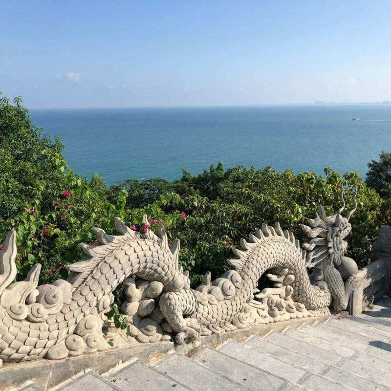 tượng con rồng ở chùa linh ứng bãi bụt