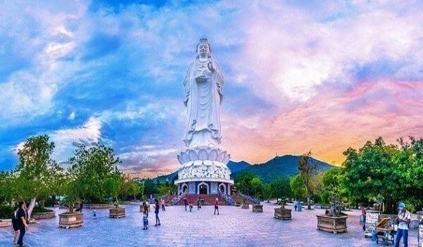 tượng quan âm cao nhất việt nam tại chùa linh ứng bãi bụt đà nẵng