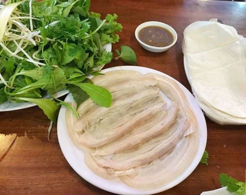 Bánh tráng cuốn thịt heo Quê Xưa Đà Nẵng