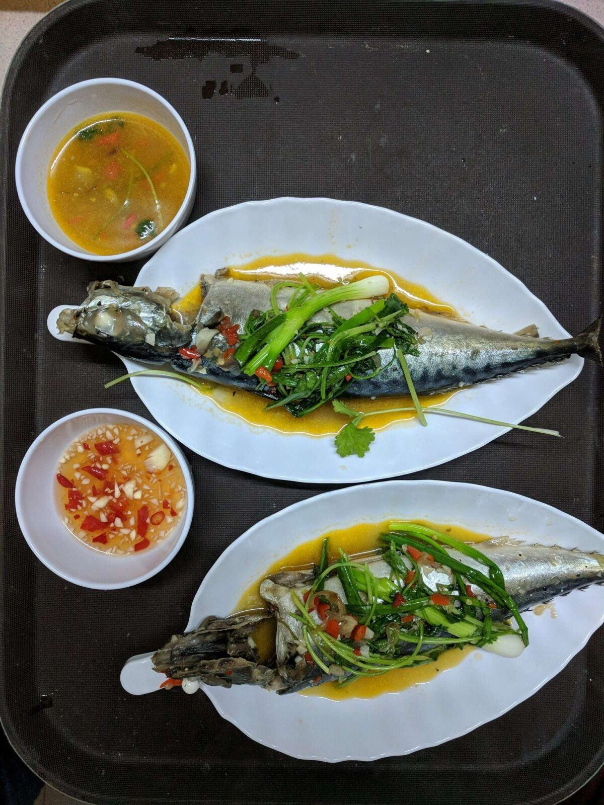 Quán cá nục hấp cuốn bánh tráng Cô Hồng Đà Nẵng