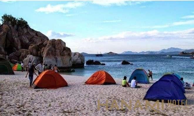 cắm trại ở bãi Bụt Đà Nẵng