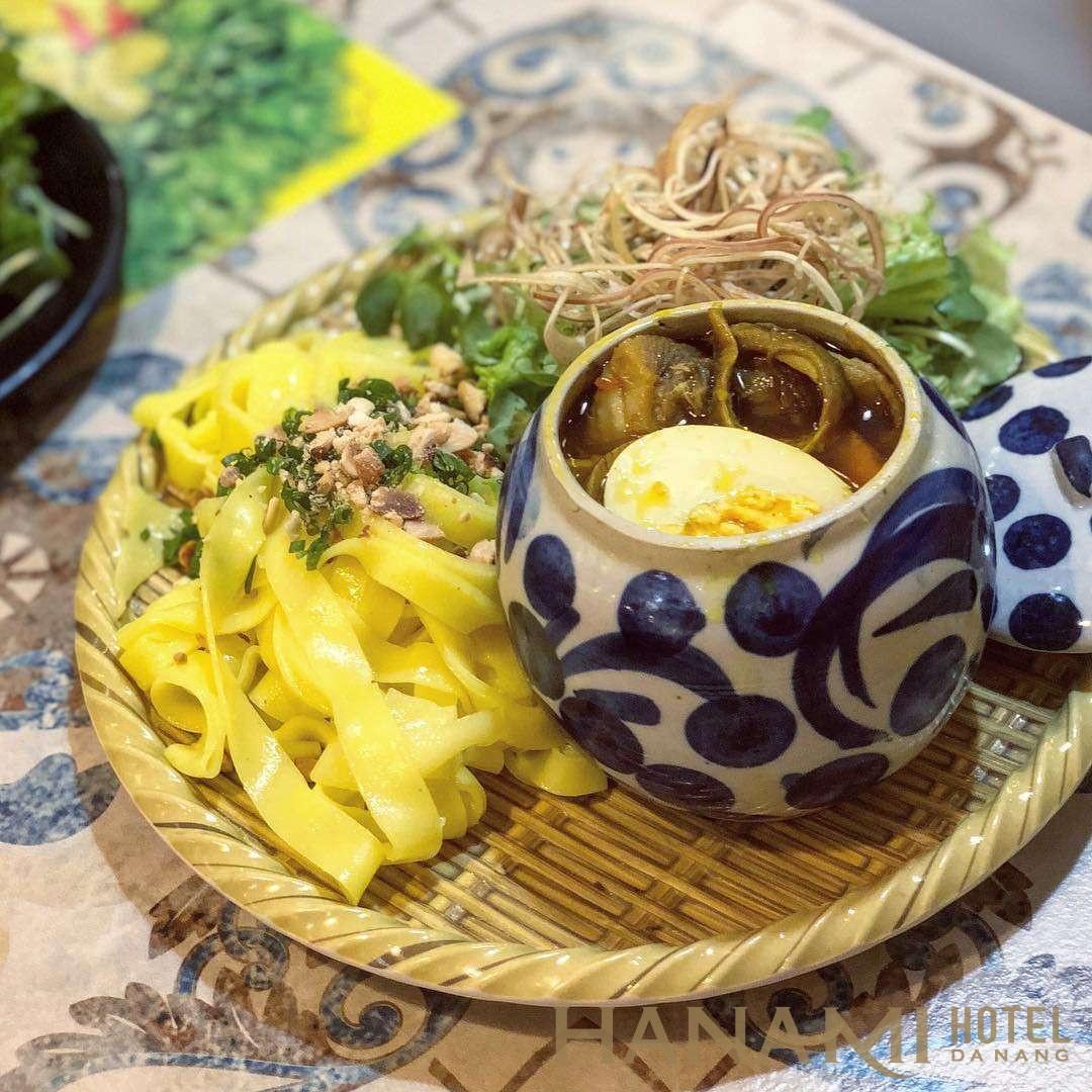 mì quảng ếch Bếp Trang Đà Nẵng có nhiều người nổi tiếng đến ăn