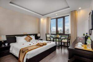 Nội thất phòng khách sạn 1 giường lớn