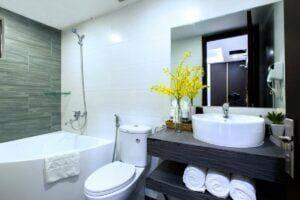 Phòng vệ sinh khách sạn