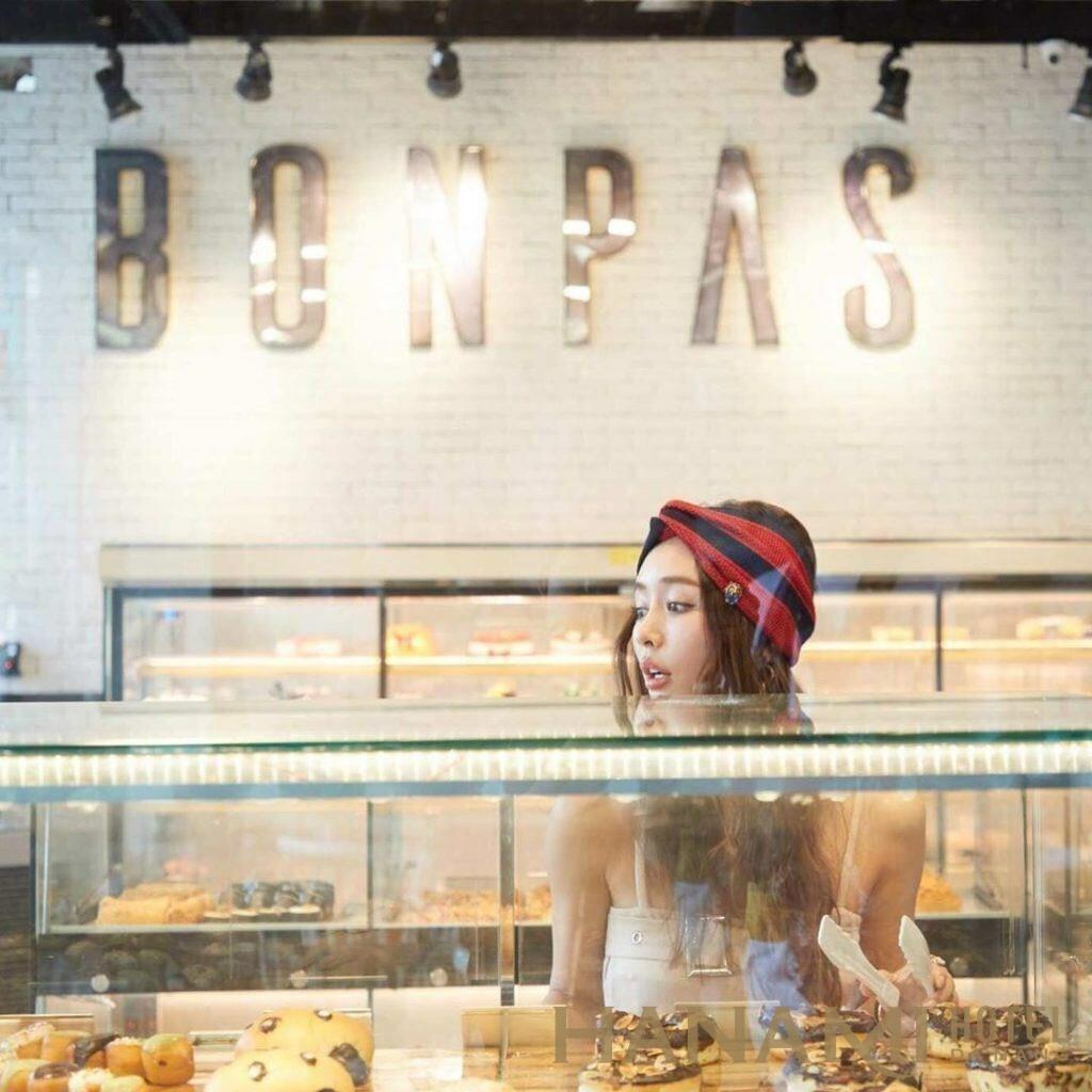 BonPas Bakery & Coffee phong cách nhẹ nhàng hiện đại
