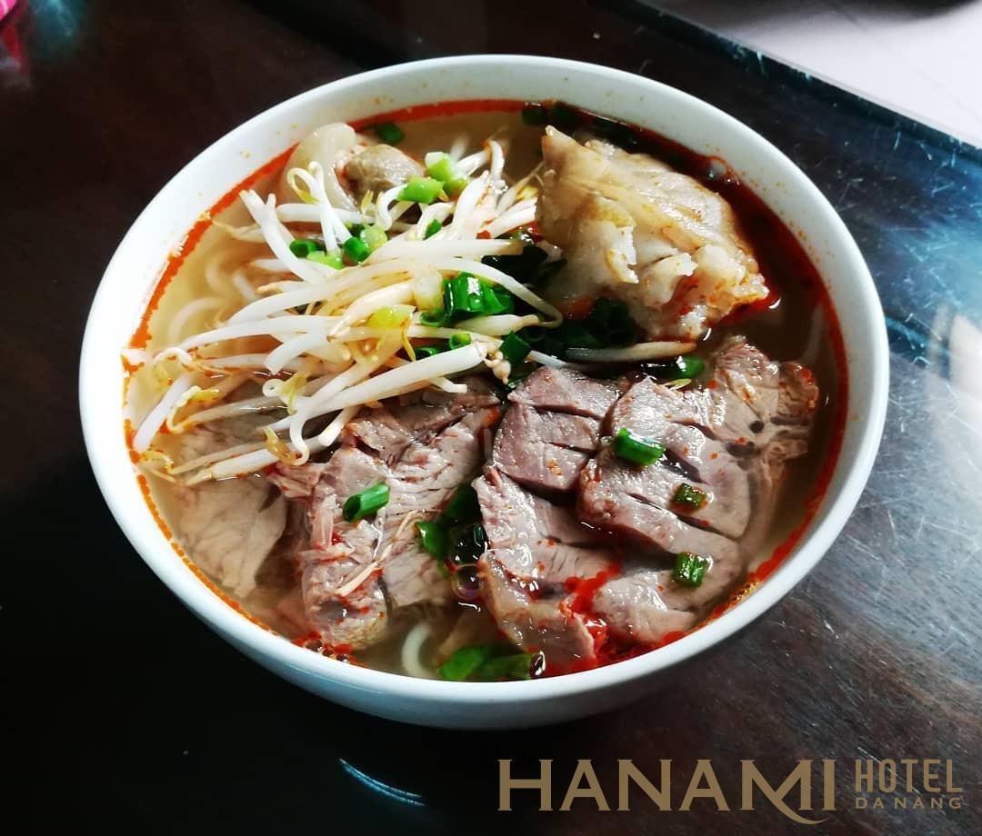 bún bò Huế ngon ngất ngây - món ăn tiêu biểu cho ẩm thực Huế
