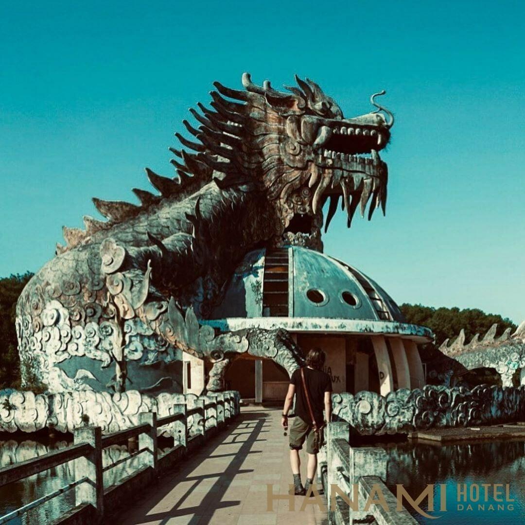 chụp ảnh Rồng ở hồ Thủy Tiên Huế